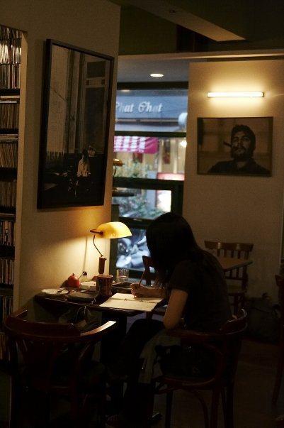 90年代創立的「挪威森林」地位宛如70年代「明星咖啡館」的藝文咖啡館。圖/余永寬...