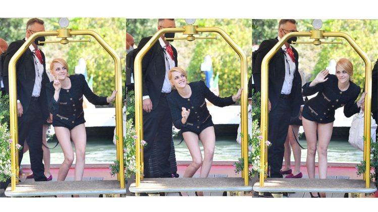 克莉絲汀史都華展現香奈兒的優雅俏麗。圖/取自IG @kstewupdates