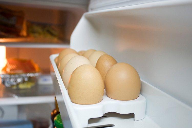 雞蛋購買回來後不需清洗,因為蛋殼外面有肉眼看不見的保護膜,清洗後等於失去一層保護...