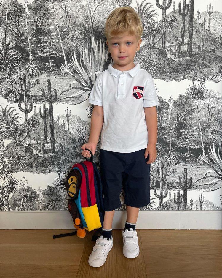 3歲的Leo在媽媽的IG上向來也是擁有超高人氣,穿上制服的模樣更是可愛爆棚。圖/...