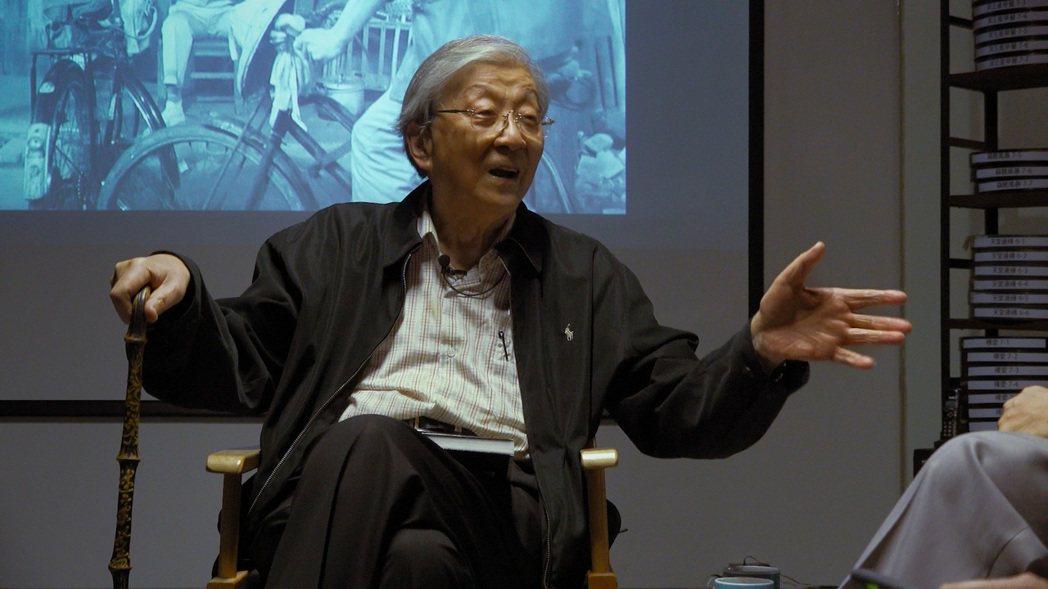 何平導演花費三年半拍攝台灣電影教父李行的紀錄片「行影.不離」,金馬影展閉幕獻映。...