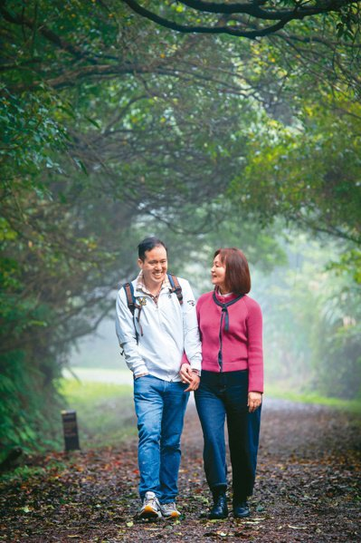 從花蓮到台北到龍潭,「肯納園」一直是讓吉爾(左)感到安心自在的代名詞。圖/彭玉燕...
