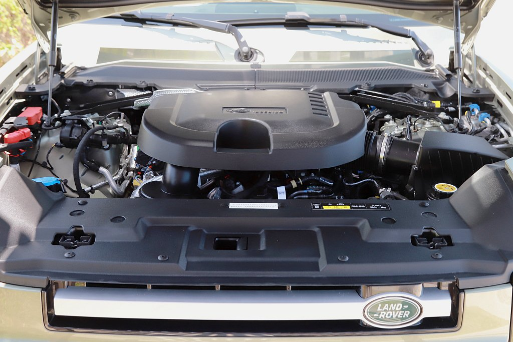 Land Rover Defender 90 D250 S動力搭載Ingeniu...