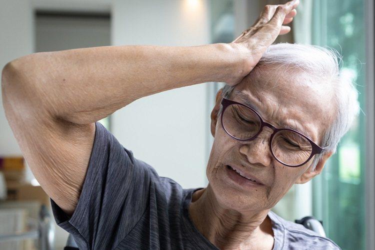 失智不是只有忘記,是全面退化,並非正常老化,而是一種疾病。 圖/常春月刊提供