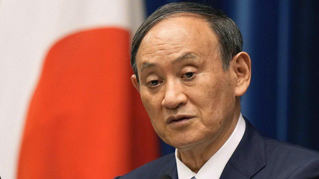 日本首相菅義偉去年上台時的優勢,也成為他今年無法續任的弱點。圖/歐新社