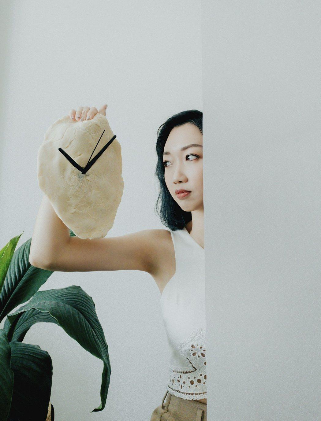 劉慧貞推出全新單曲「任性的時鐘」,向台灣歌壇初試啼聲。圖/劉慧貞本人提供