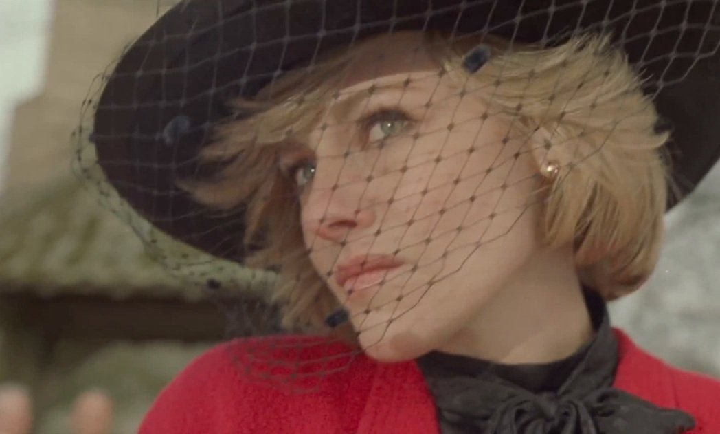 克莉絲汀史都華在「史賓賽」中扮演黛安娜,獲得不少好評。圖/摘自imdb