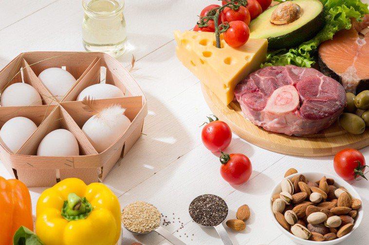 維生素B12食物有哪些?魚肉蛋奶製品可以攝取到。 圖/取自freepik