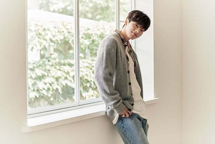 韓國男星宋江。圖/摘自facebook、instagram