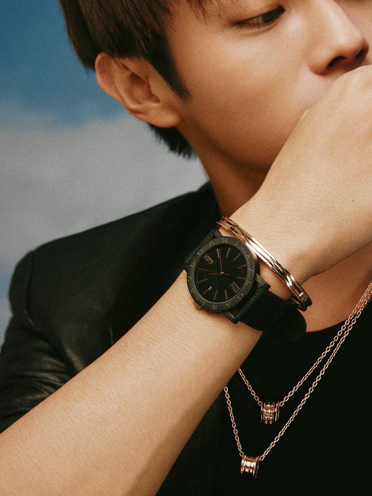新生代戲劇男神許凱演繹BVLGARI B.zero1 Rock系列混搭風格。圖/...
