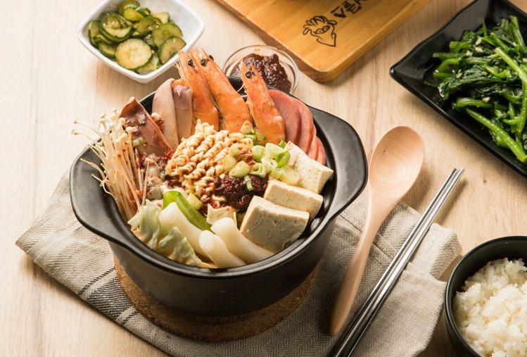 魷魚大叔新推出2款韓食獨享餐,每套439元。圖/Uncles魷魚大叔提供