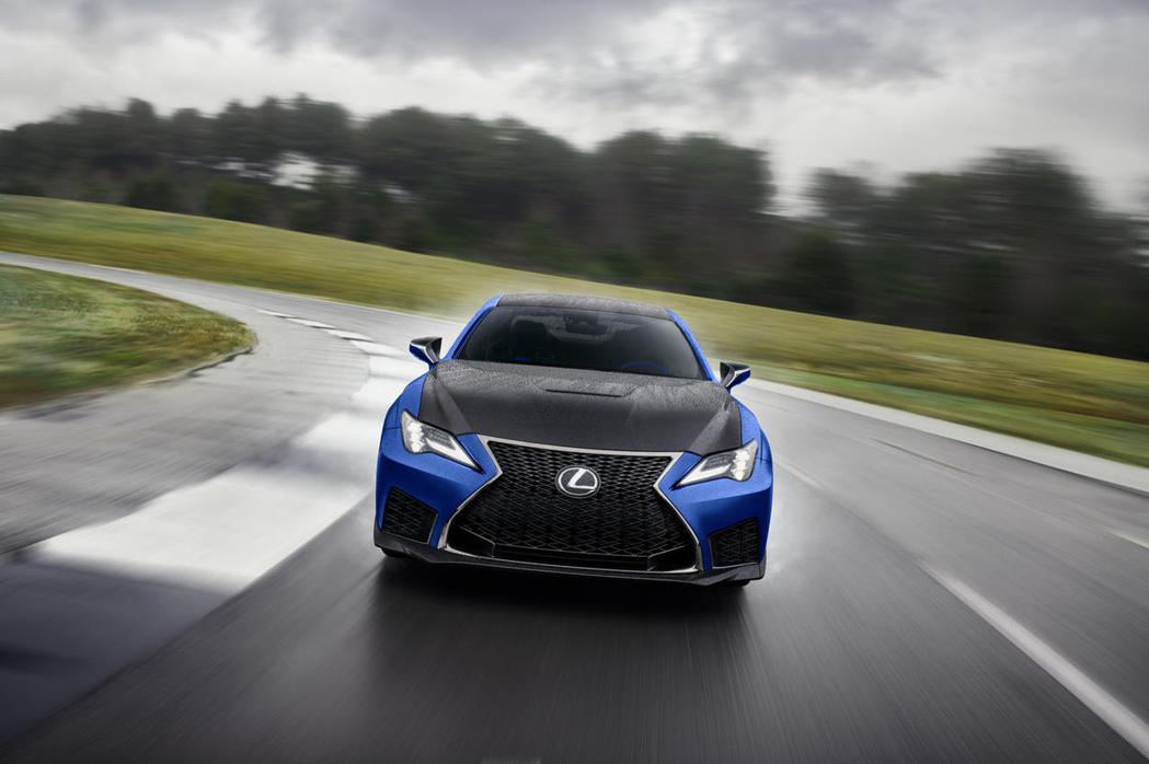 Lexus 2022年式RC F Fuji Speedway限定車型搭載末代V8...