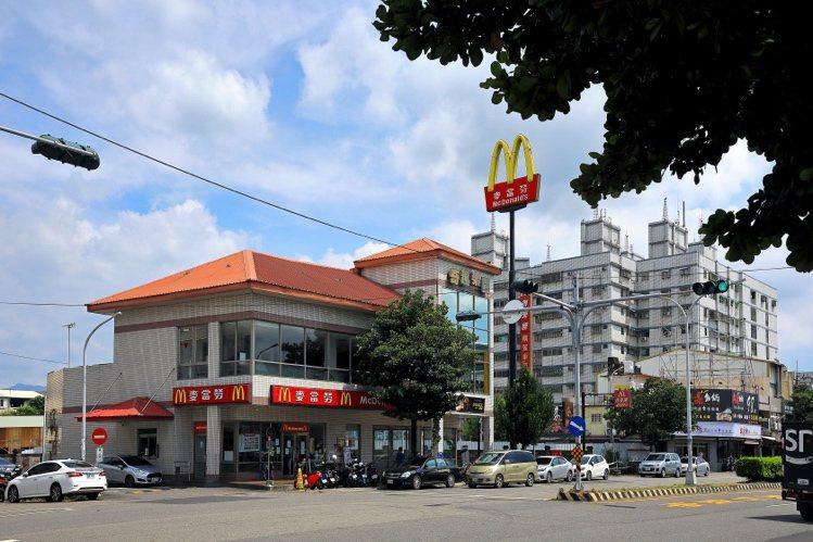 圖說:麥當勞多數選擇區域精華地段、商圈熱鬧地點。(圖/合總君悅提供)