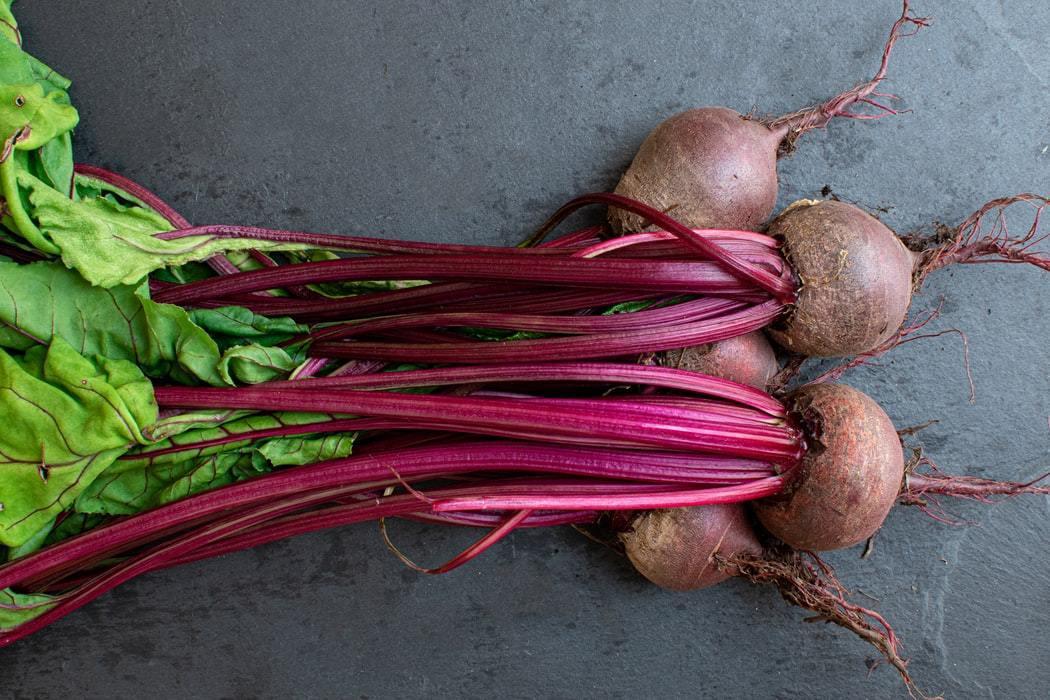 甜菜根富含甜菜紅素,具有大量的維他命B群、類胡蘿蔔素。 圖/unsplash