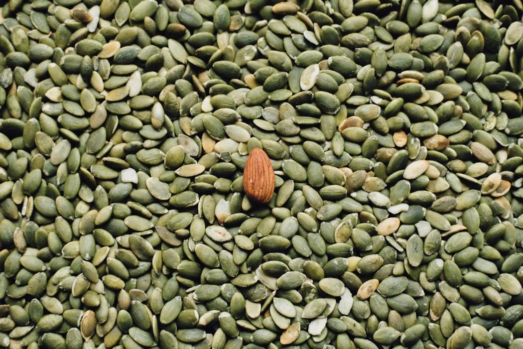 南瓜子含有豐富的磷、鈣、鉀、鐵、硒、鋅等多種礦物質。 圖/unsplash