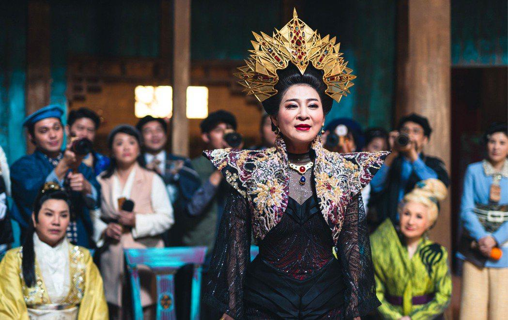 王彩樺在新型態歌仔戲電視劇「孟婆客棧」中詮釋的閻羅王太太,身兼亡者愛情顧問。 圖...