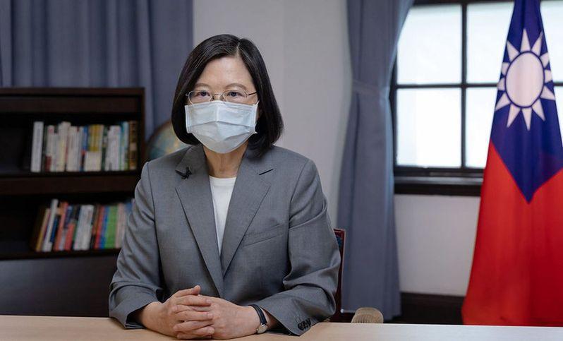 蔡英文表示,台灣願意承擔確保區域穩定的責任,盼與「鄰國」在和平、穩定且互惠的原則下共存,並堅持捍衛民主和生活方式。 (總統府)