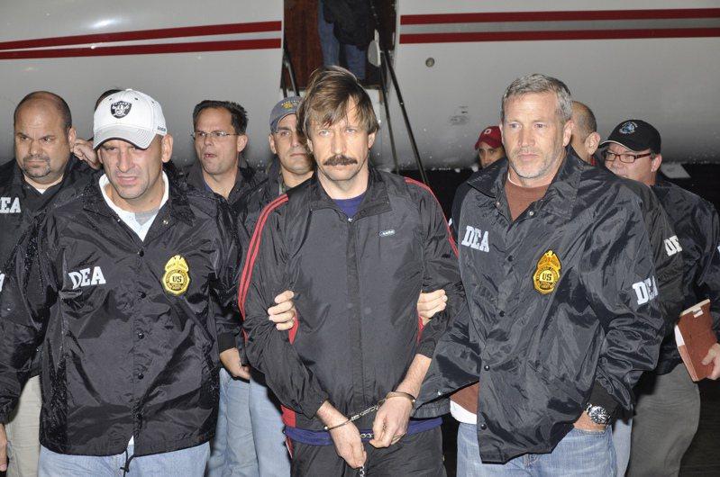 2010年布特被引渡到美國,被判處25年有期徒刑。外媒報導提及美俄間可能的換囚協議時,布特往往會出現在名單上。路透