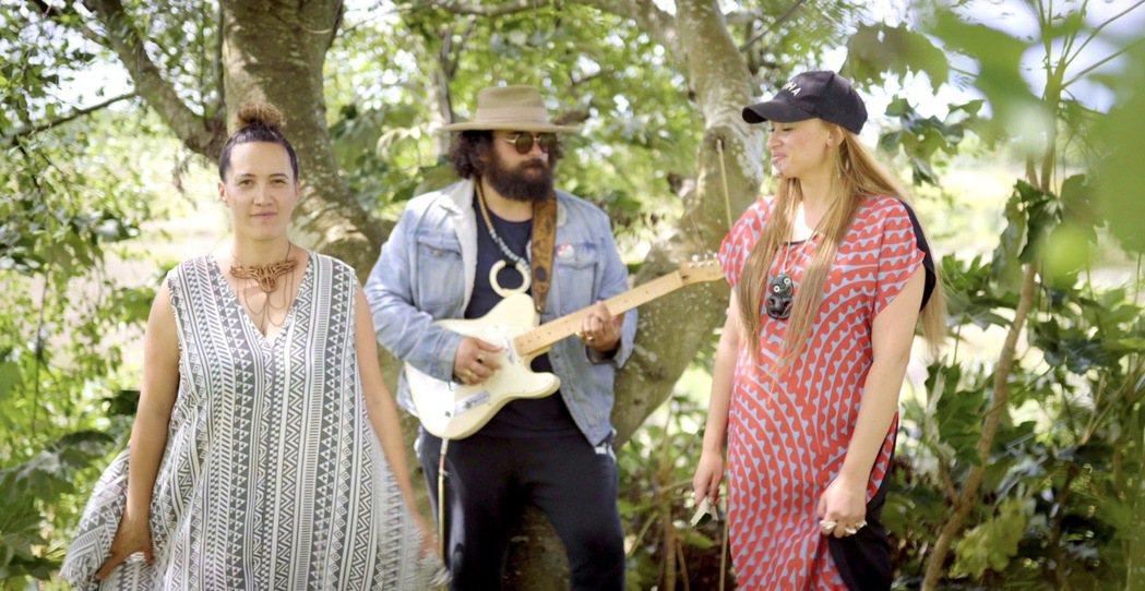 紐西蘭毛利音樂人莉亞霍爾(左起)、特洛伊金吉、梅西莉卡。圖/阿洛無限提供