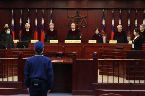 走入凡間的大法官——在憲法訴訟開始之後