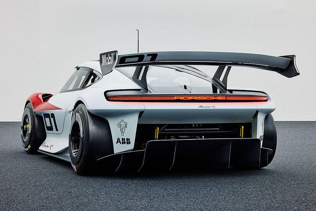 保時捷Mission R的發表,預告未來由純電跑車所構築的統一規格系列賽新樣貌。...