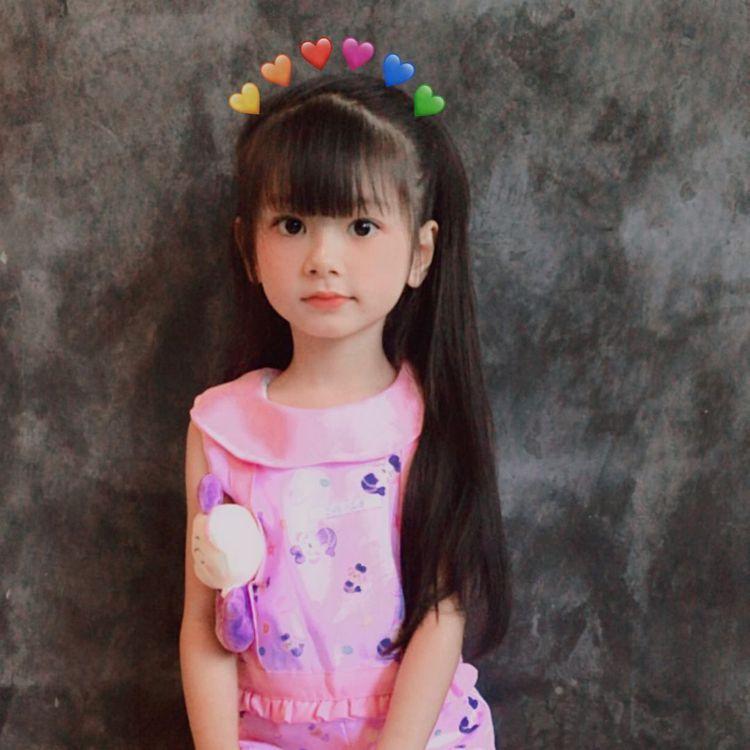 7歲泰國女童Onew。 圖/擷自Instagram/onewnoarstory