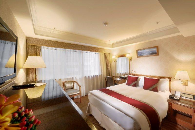 台北天成大飯店的精緻客房,依專案入住可享免費停車服務。 業者/提供
