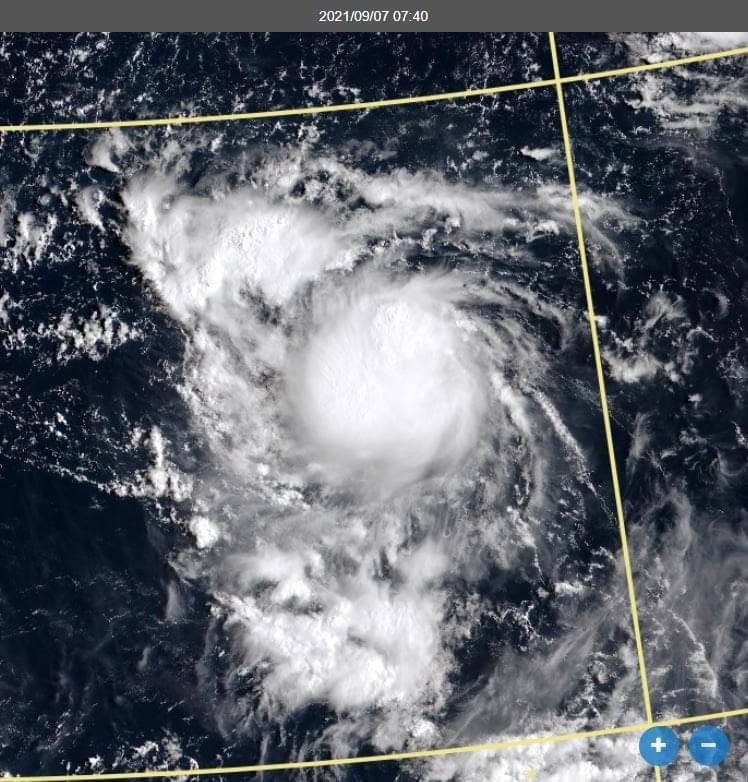 氣象局長鄭明典說,第16號熱帶性低氣壓已有颱風雲的象徵。圖/取自鄭明典臉書