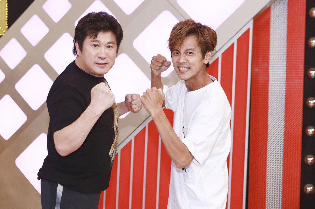胡瓜(左)近年全力培養阿翔,讓他有機會挑大梁。圖/民視提供