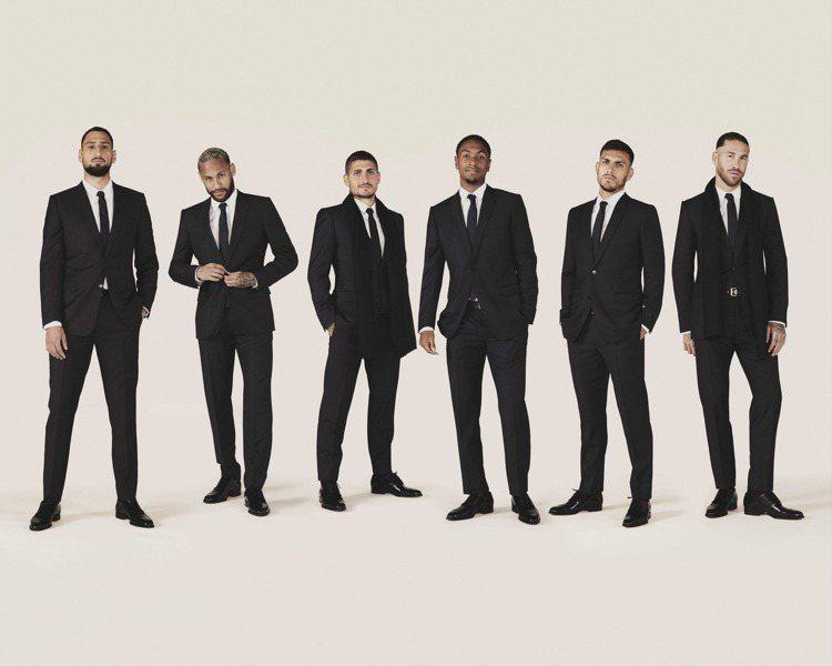 DIOR操包巴黎聖日爾曼足球隊未來兩季的服飾。圖/DIOR提供