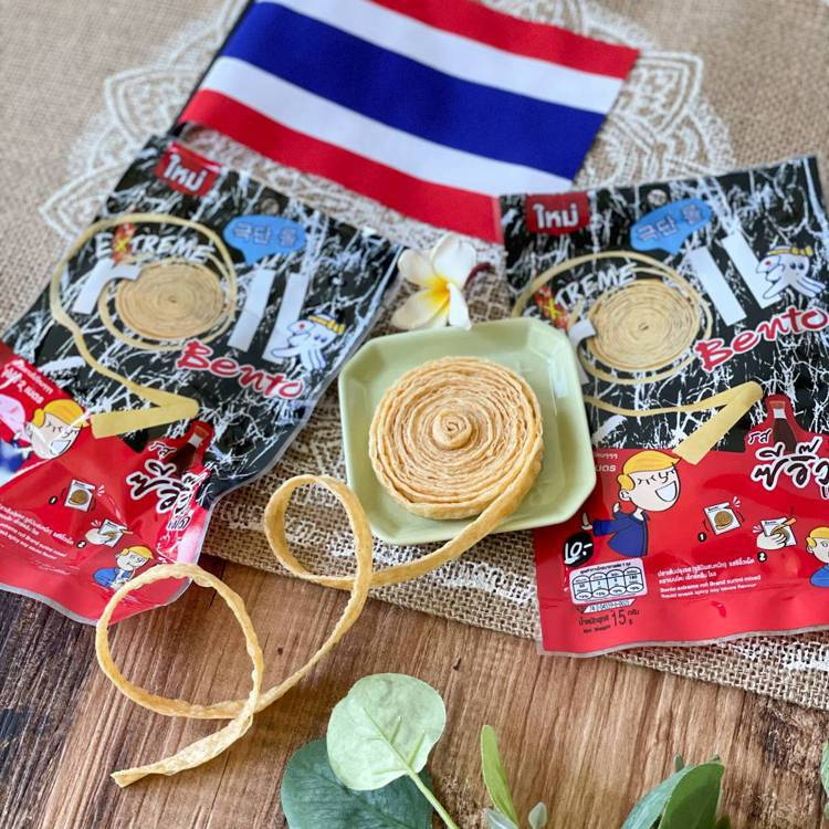 7-ELEVEN獨家販售「泰國Bento超長香辣魷魚絲捲」,2公尺的長度不間斷享...