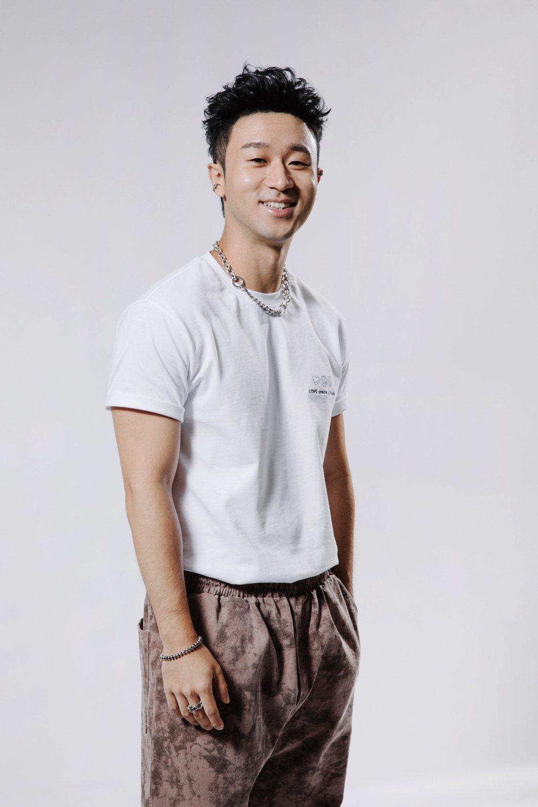 新人Sam Lin為愛決定留在台灣。圖/華納音樂提供