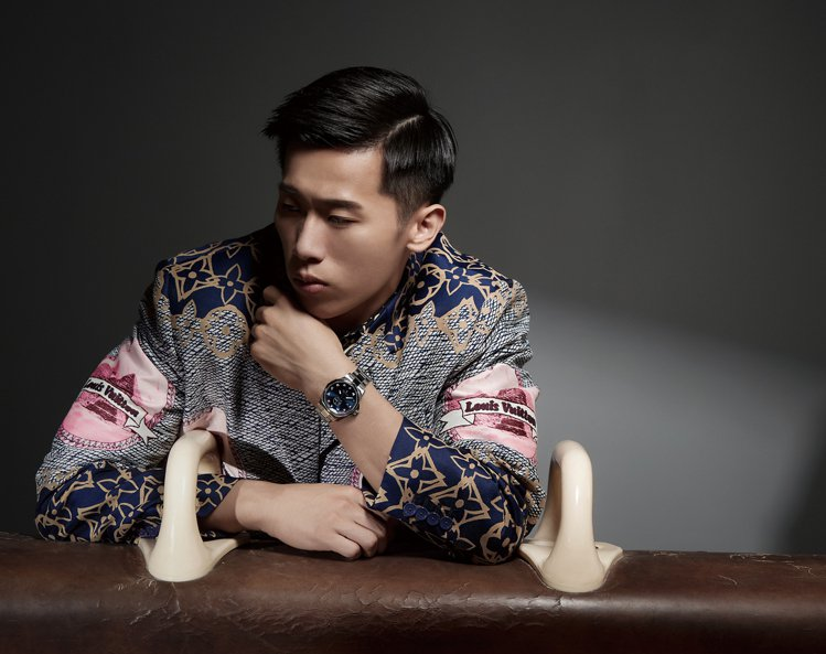 甫獲得奧運銀牌的李智凱,近日應時尚雜誌邀請採訪,展現長達十頁的封面故事,並剖析一...