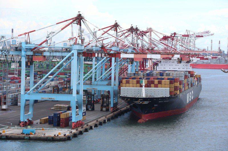 全球塞港問題未解、運價指數持續創高、營收獲利亮眼,但航運股賣壓卻愈來愈大。圖/聯合報系資料照片