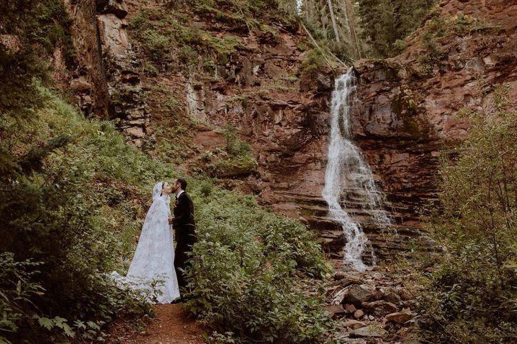 莉莉柯林斯結婚了! 圖/擷自莉莉柯林斯Instagram