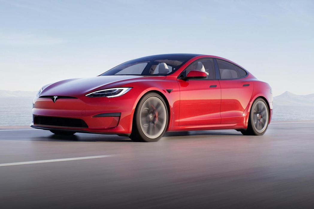就算沒有支援CarPlay,Tesla車款依然熱銷。 摘自CarBuzz.com