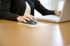 她抱怨「公司要求請事假抵補班日」 網友提醒:不能強迫休假