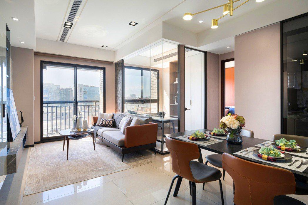 遠雄CASA 38坪採光良好,空間可彈性規劃,特別符合換屋與退休族的需求。(圖/...