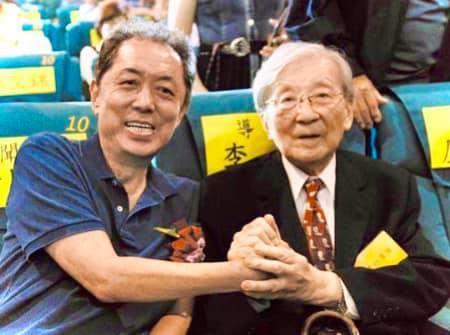 朱延平(左)在臉書追憶李行。圖/摘自臉書