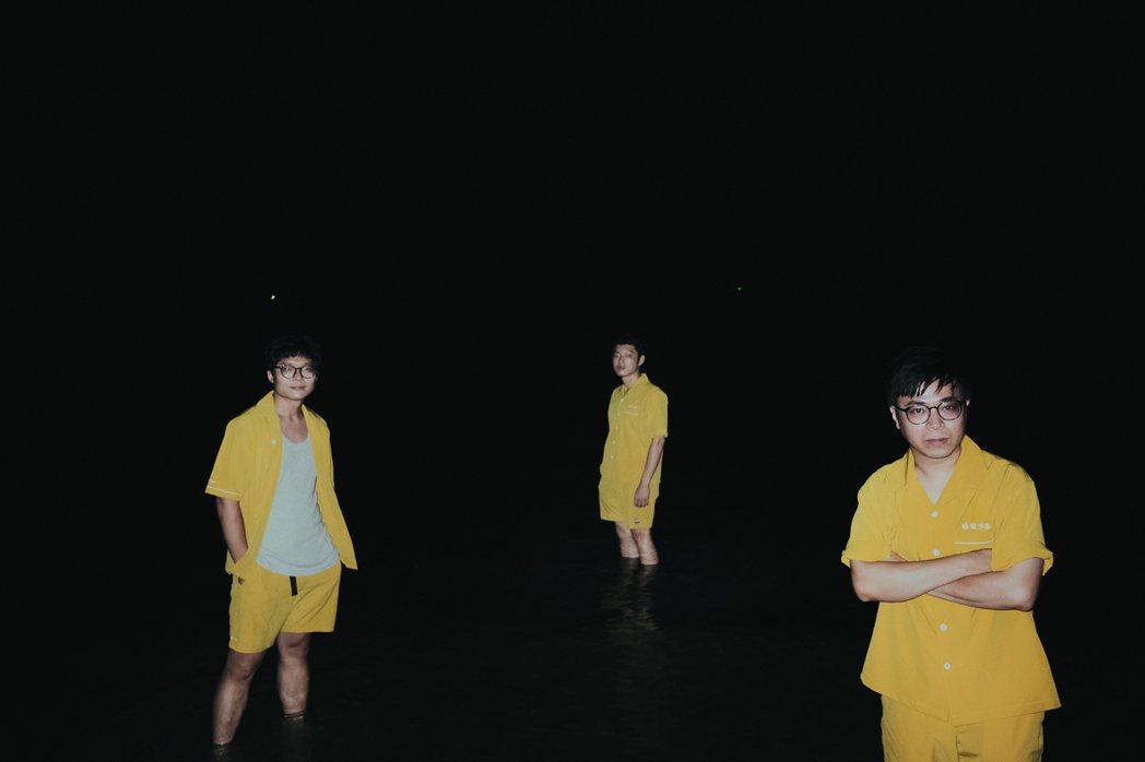 「拍謝少年」推出第3張專輯「歹勢好勢」圖/拍謝少年提供