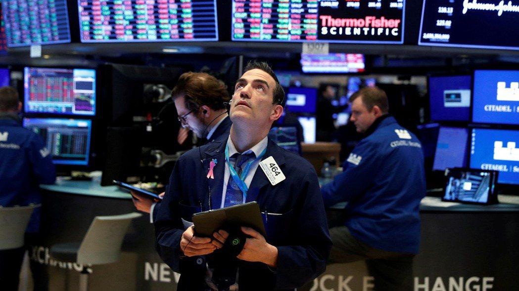 疫情下,熱錢竄、全球股漲,通膨議題日益放大,也加速高資產族群提前思考如何對資產布...