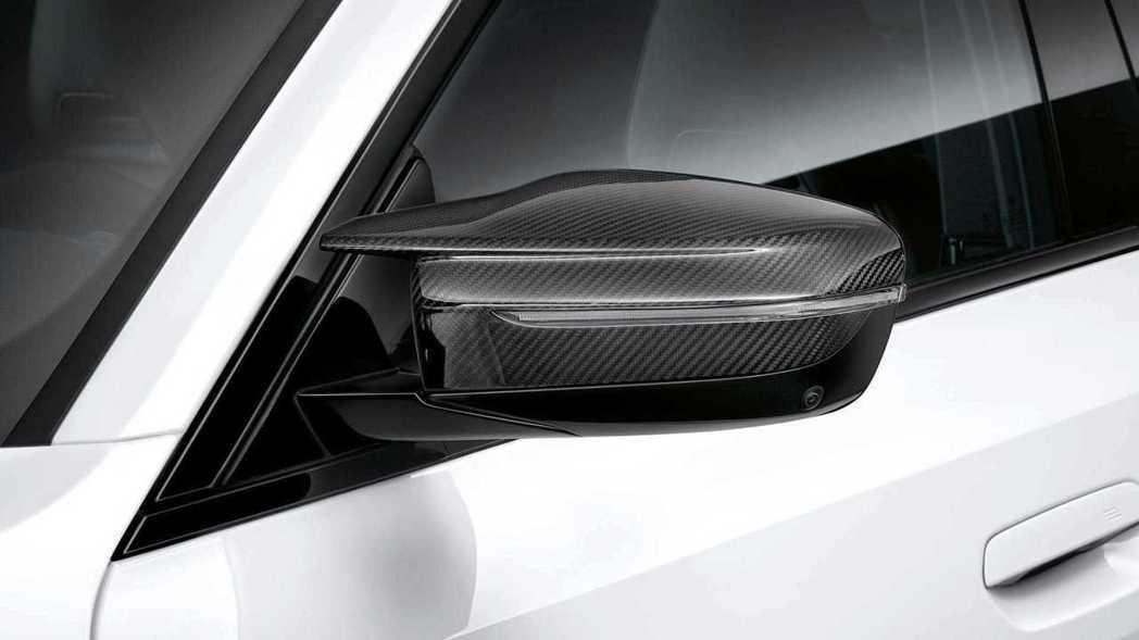類似M3的外後視鏡殼。 圖/BMW提供