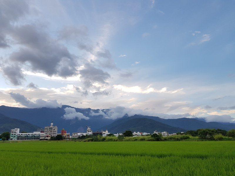 與喬瑟夫結伴同遊東台灣,帶回這一張屬於東臺灣的天光明媚。(圖/凌性傑提供)
