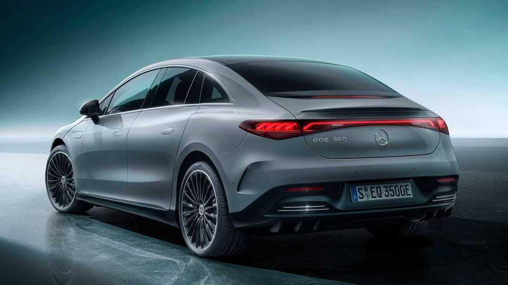 Mercedes-Benz EQE 350擁有不像傳統房車的造型。 圖/Merc...