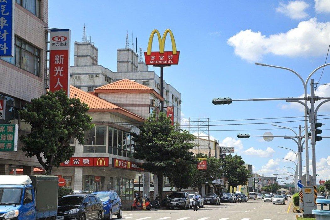 圖說:合總君悅位於斗南車站麥當勞旁,位置優越。圖/合總提供