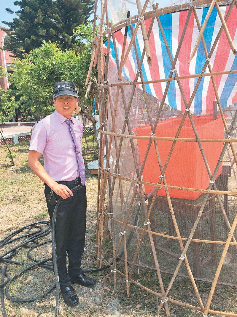 台中立人國中校長舒富男帶孩子建非洲集水塔。記者余采瀅/攝影