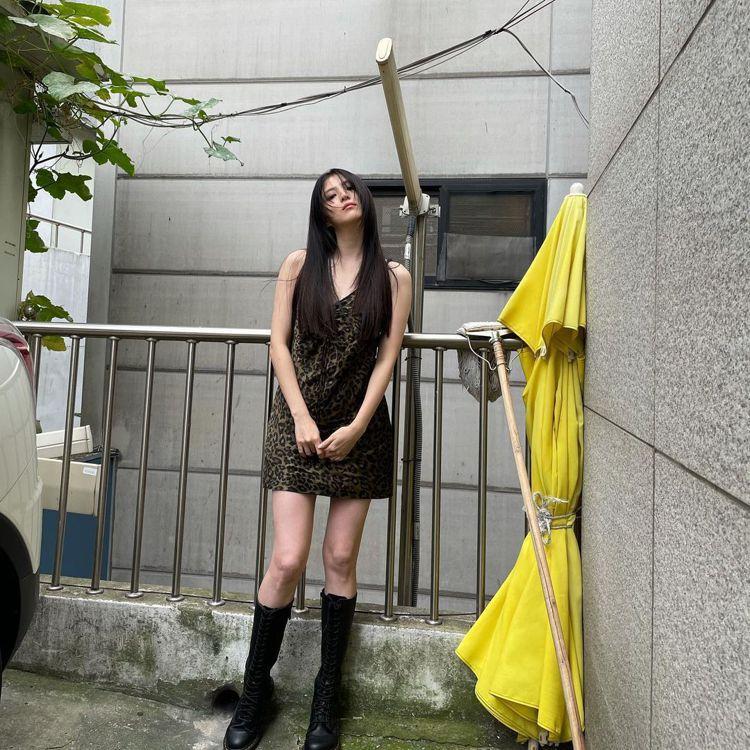 韓國女星韓素希。圖/摘自instagram