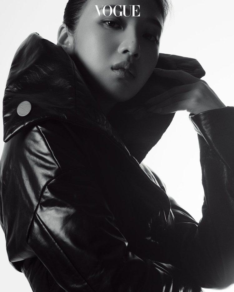 Red Velet Joy登上時尚雜誌。圖/摘自韓國Vogue官網