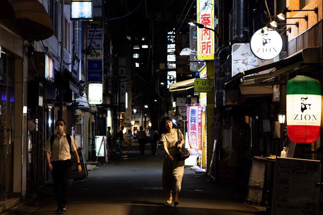 為什麼不讓女性夜間工作的規定,反而違憲? 圖/法新社