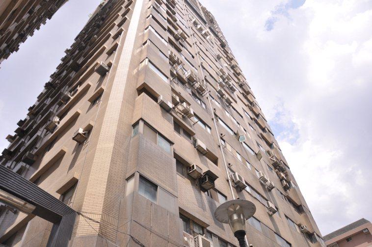 新北市新增2例確診跟先前公布住在板橋某大樓的埃及爸爸是親屬關係。記者張哲郢/攝影